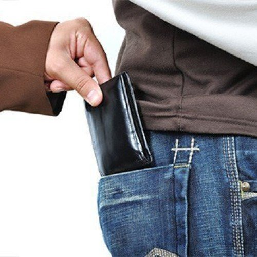 HOW TO PROTECT YOURSELF FROM PICKPOCKETS